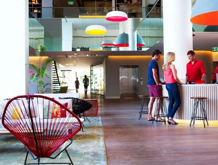 bright-colours-patterns-interior4