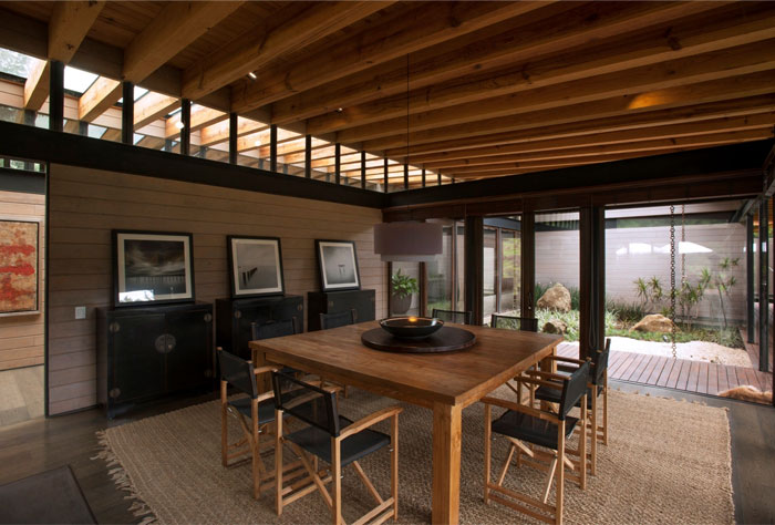 dining-area-covered-wood-glass5