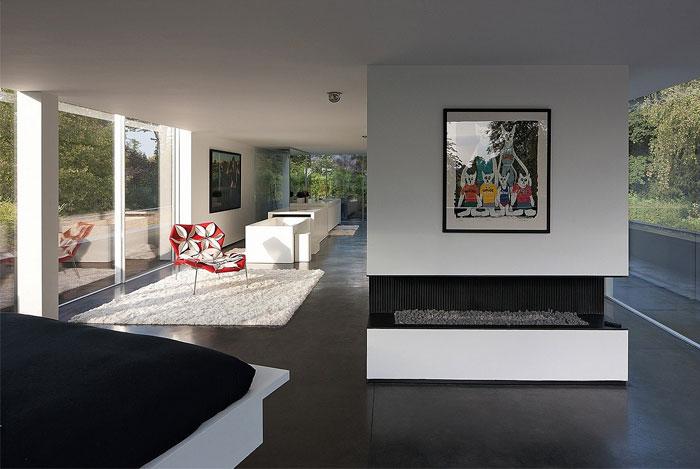 glass-apartment-expansive-views10