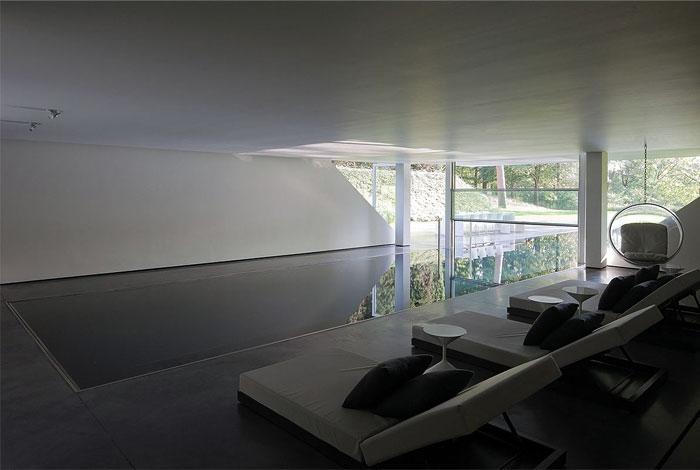 glass-apartment-expansive-views12