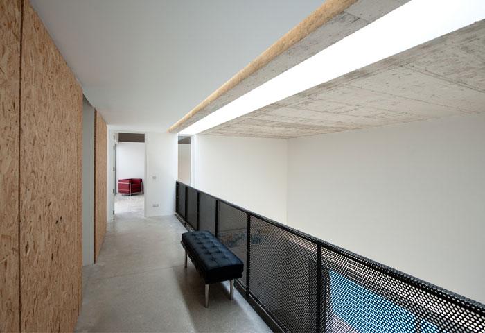 playful-contemporary-villa11