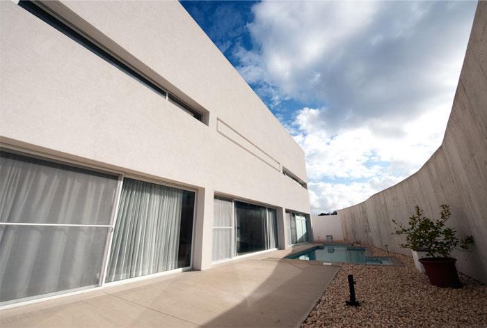 playful-contemporary-villa3