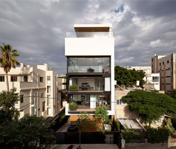 five-floor-private-house-swimming-pool3