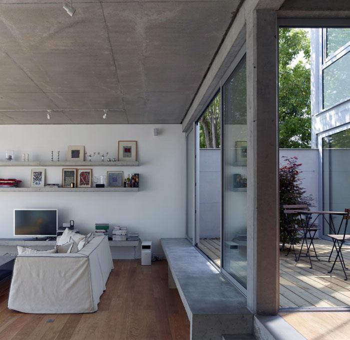 concrete-glass-open-plane-house1