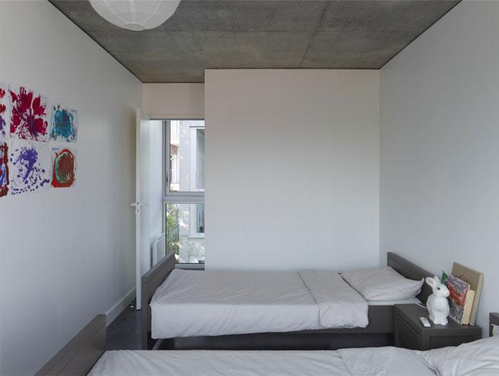 concrete-glass-open-plane-house6