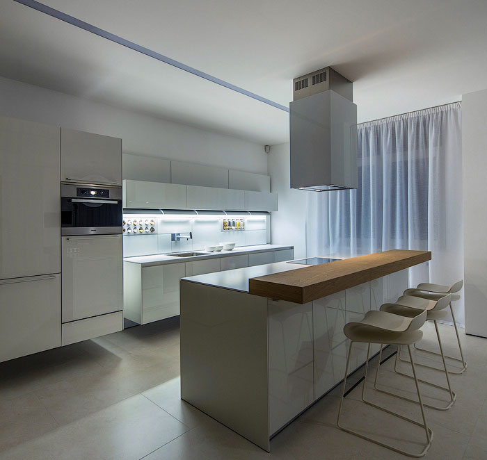 large-kitchen-white