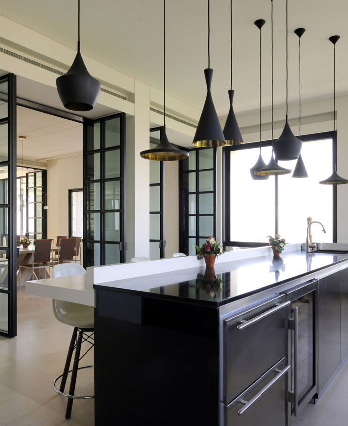spacious-kitchen-neutral-colors