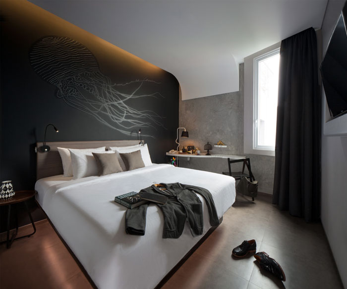 arthotel-mural-decor-bedroom