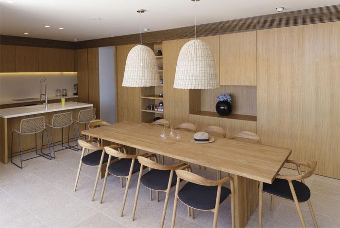 mediterranean-house-interior-dining-room