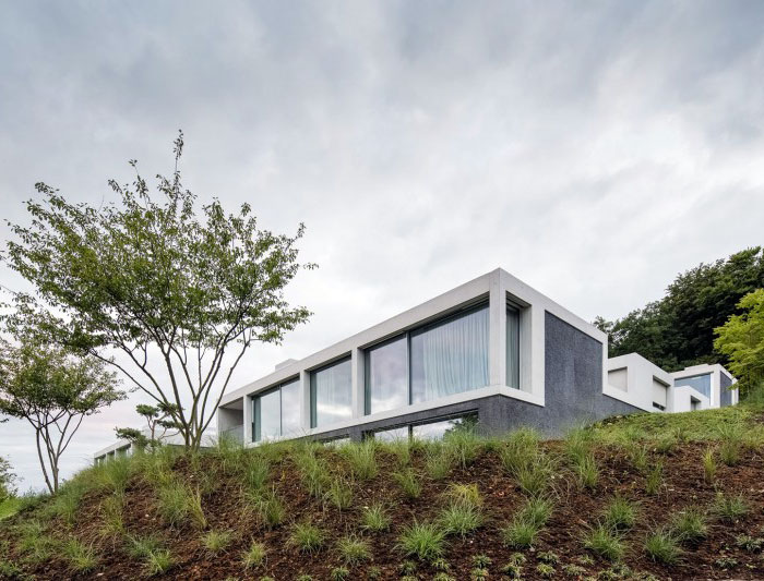 grey-cemented-concrete-house
