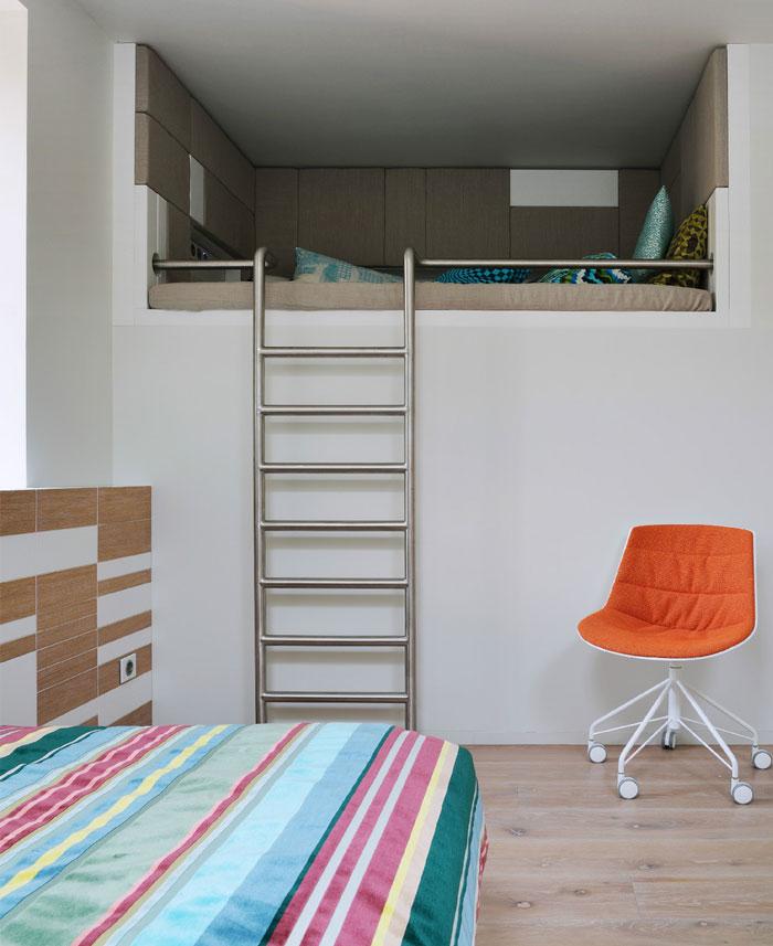 russian-house-kids-room