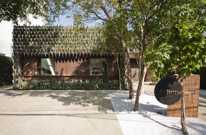 unusual-landscape-architecture-design-covered-entire-facade