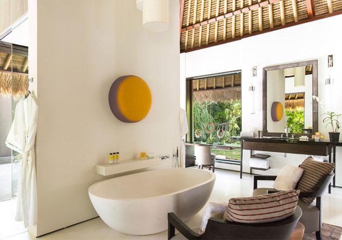 villa-contemporary-lofty-construction-style