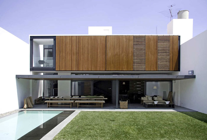 wood-exterior-two-white-walls