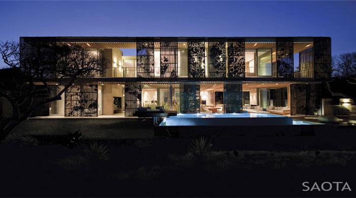 indoor-outdoor-living-garden-courtyard