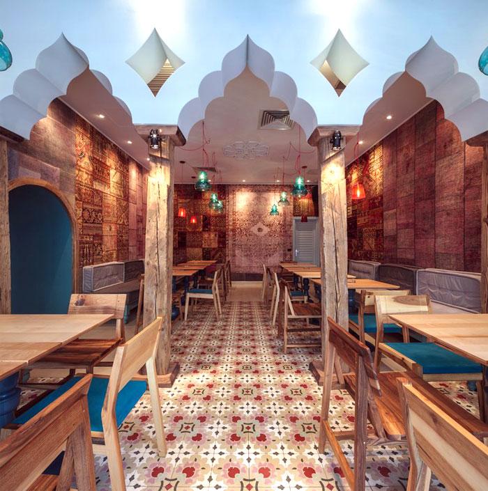 oriental-bazaar-dining-decor