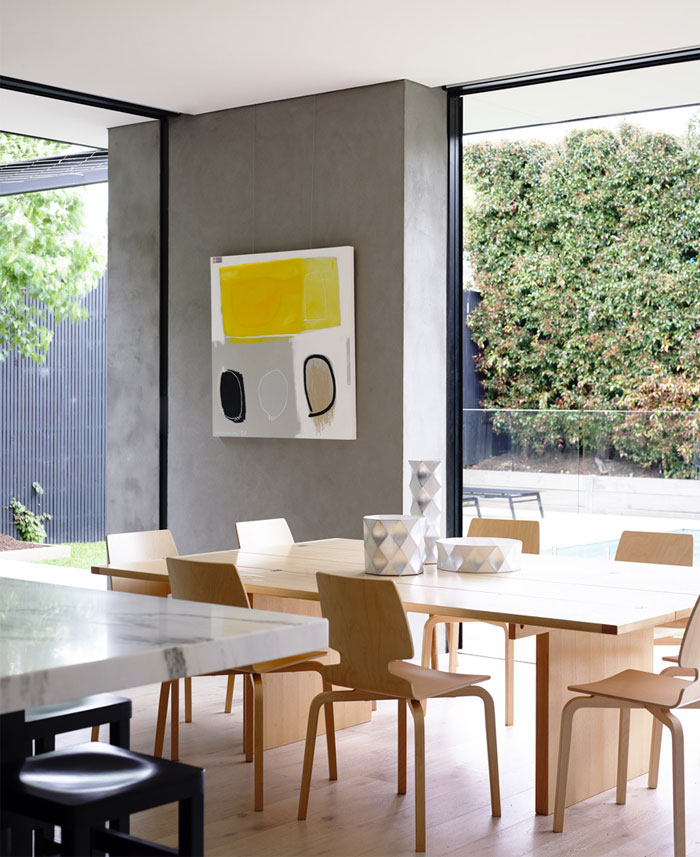 pale-wood-color-dining-area
