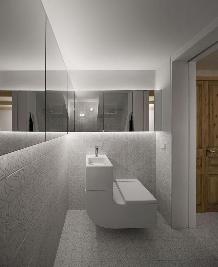 withe tile bathroom