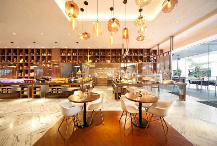 bright-spacious-restaurant-interior