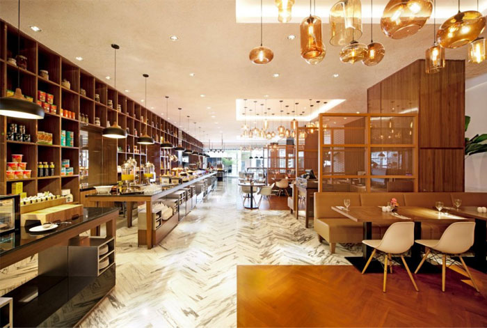 golden-caramel-honey-color-restaurant-interior