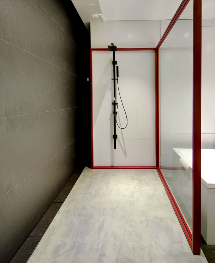 16th-apartment-bathroom