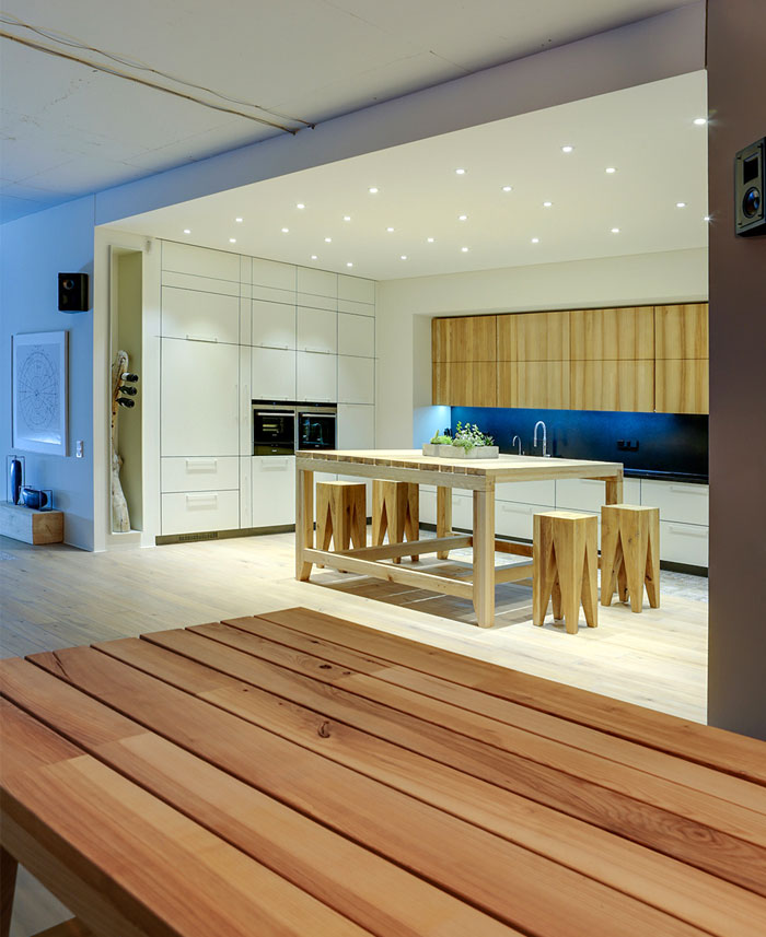 16th-apartment-clean-contemporary-style-kitchen