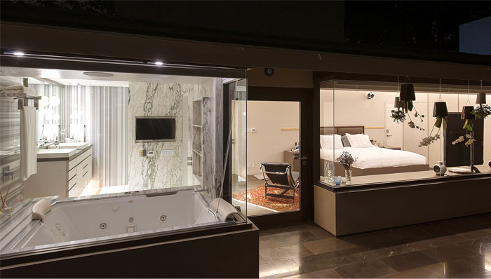 bedroom-included-two-wide-windows