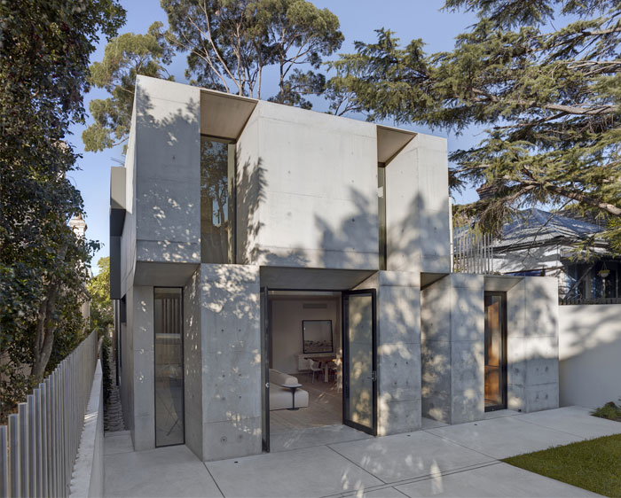 concrete-house-awarded-best-small-building