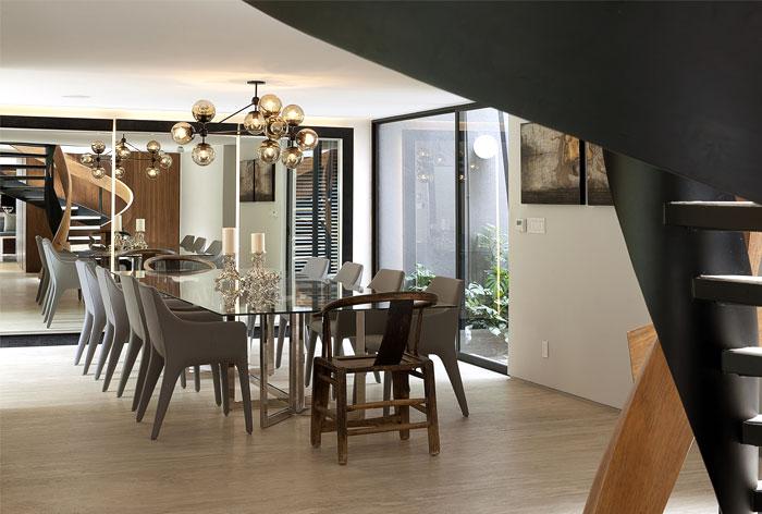 dining-area-open-interior