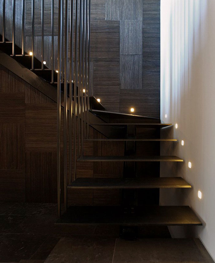 geometrical-wood-panels-staircase