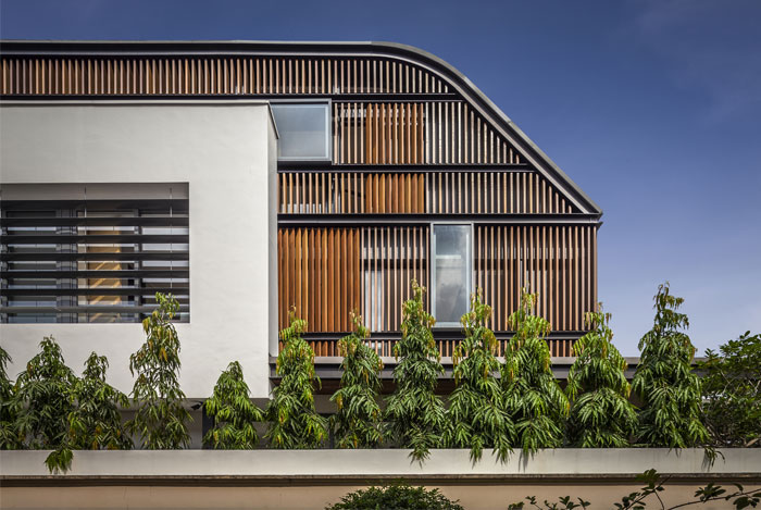 house-sunny-roof-terrace