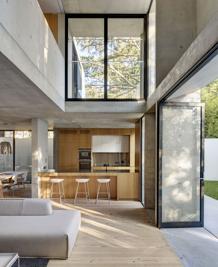 kitchen-concrete-elements-contrast-timber-elements