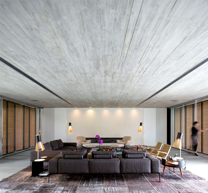 p-house-modern-clear-lines-furniture