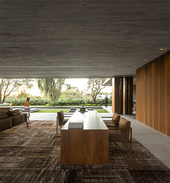 p-house-open-living-areas