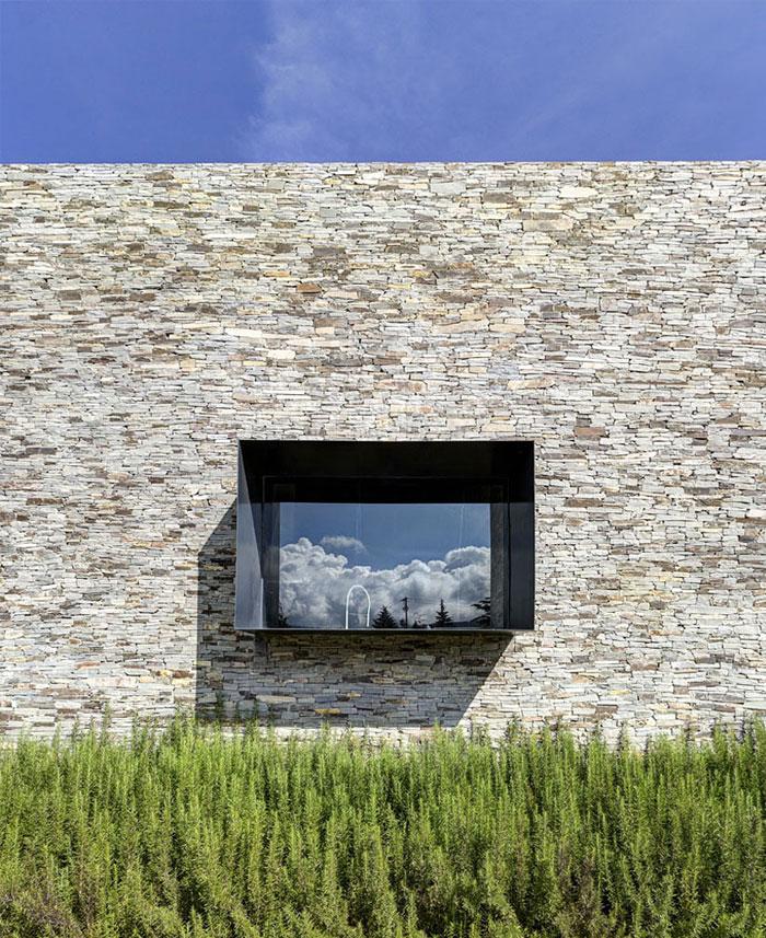 stone-house-elias-rizo-arquitectos