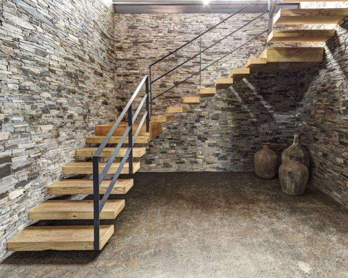 stone-wood-impressions-house-interior