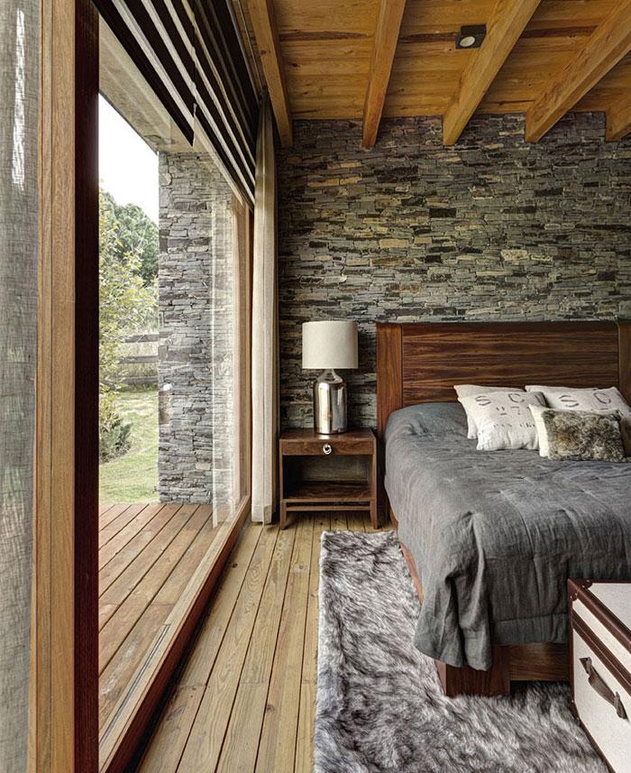 wonderful-wooden-parquet-bedroom