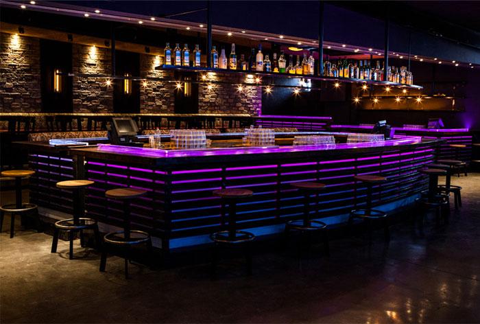 alcohol-bar-all-lighted