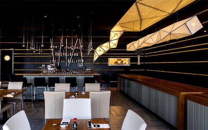 black-ceiling-restorant-decor