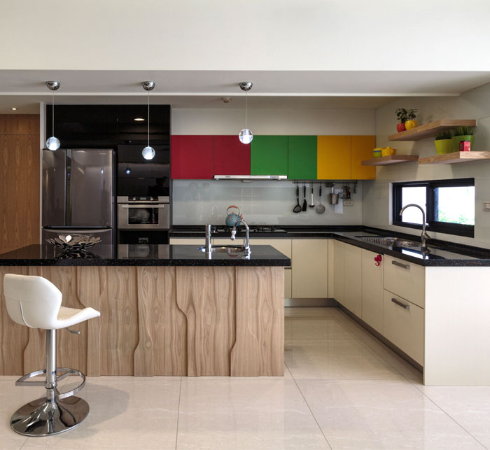 cheery-colorful-room-kithen