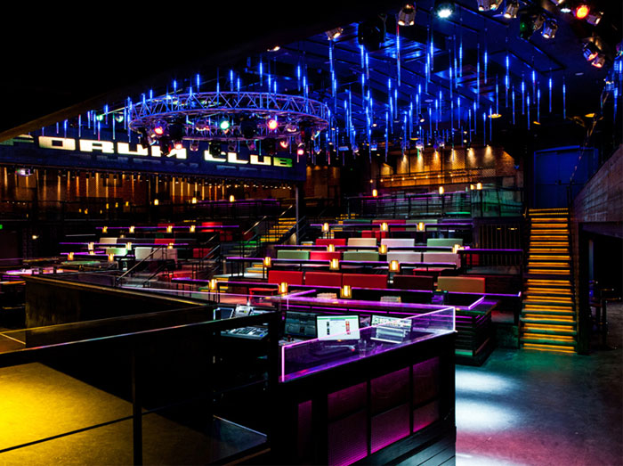 club-totally-dark-space