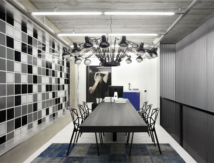 functional-contemporary-work-place