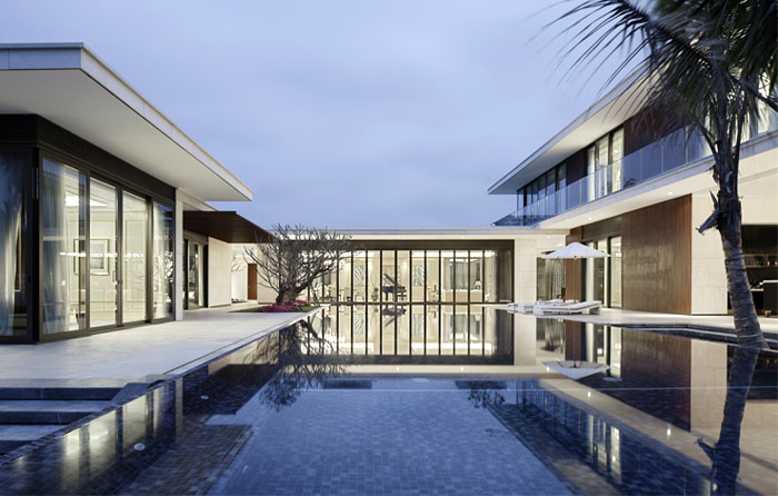 modern luxurious villa outdoor