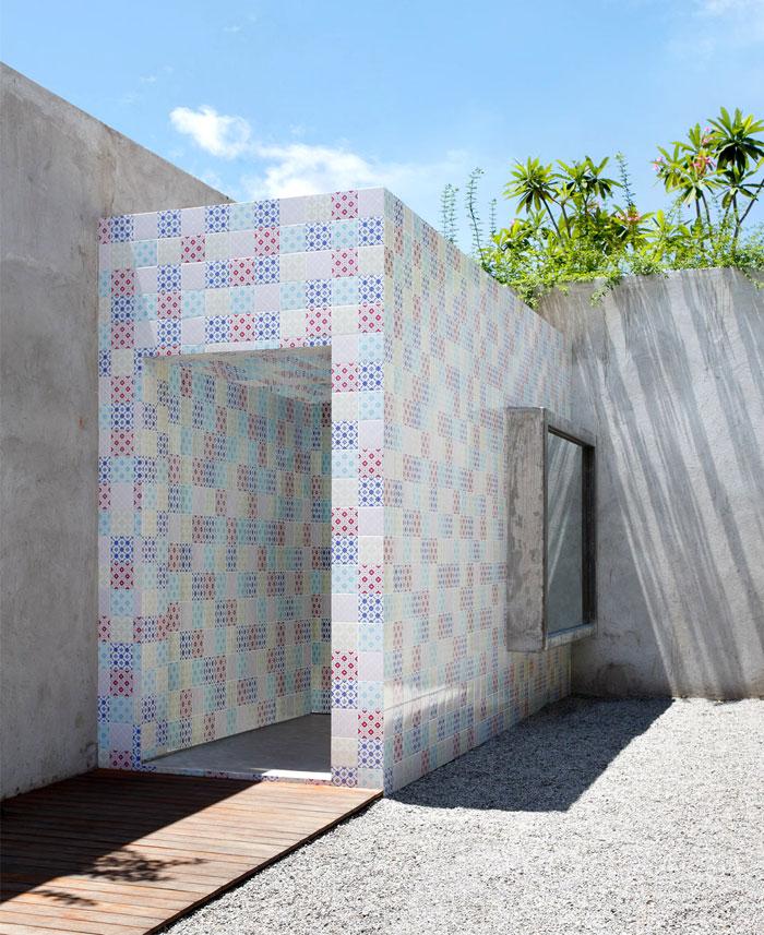 outdoor-wall-decor