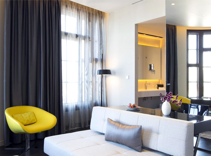 art-hotel-amsterdam-bedroom-interior