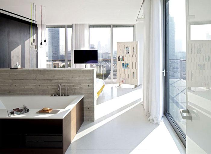 combined-master-suite-bathroom
