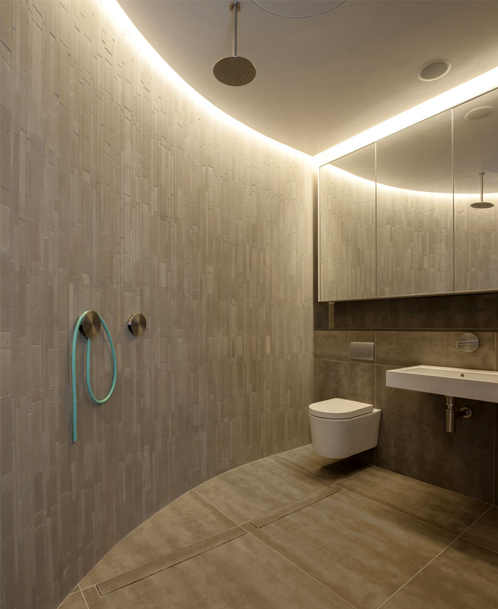 diffused-pool-lights-bathroom-interior