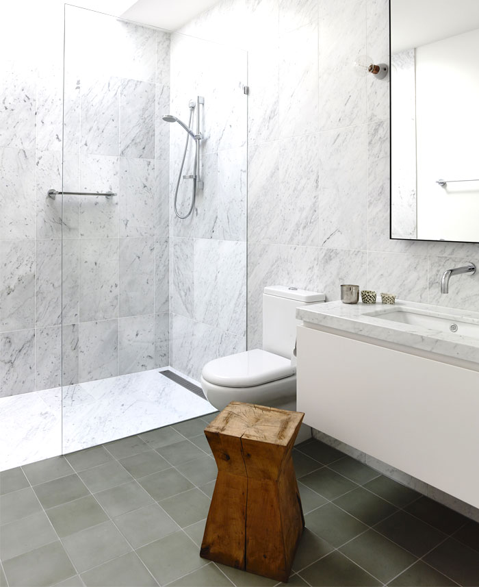 marble-wall-bathroom