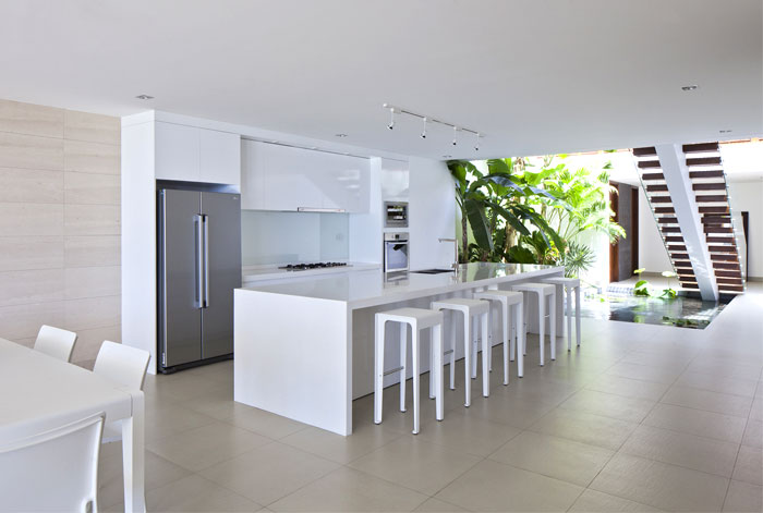 white-natural-light-basic-guidelines-interior