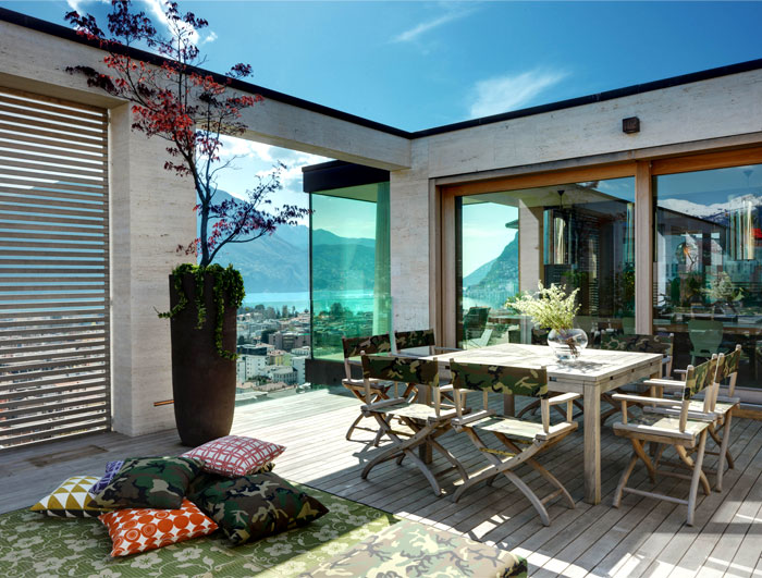 lomocubes-sophisticated-outdoor-environment